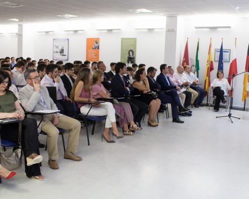 Luis Miñano se dirige a los nuevos Graduados del ITS ADA